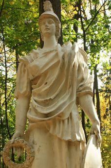 statue the Minerva
